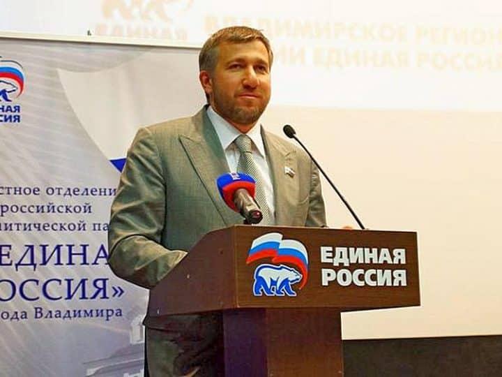 Единоросс Григорий Аникеев заработал за 2020 год 2,7 млрд рублей